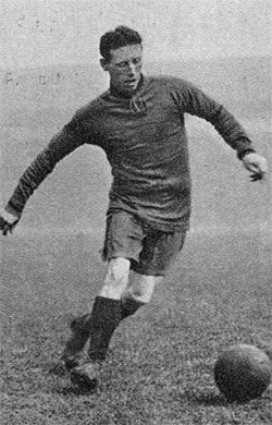 Dick Forshaw playing for Liverpool