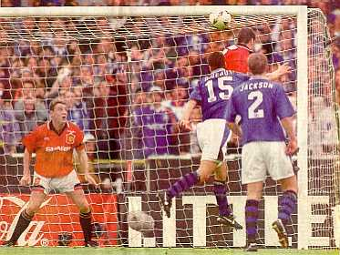 Paul Rideout scores the Cup-winning goal