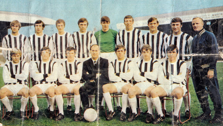 Jimmy Dunn Jr as WBA coach (far right)