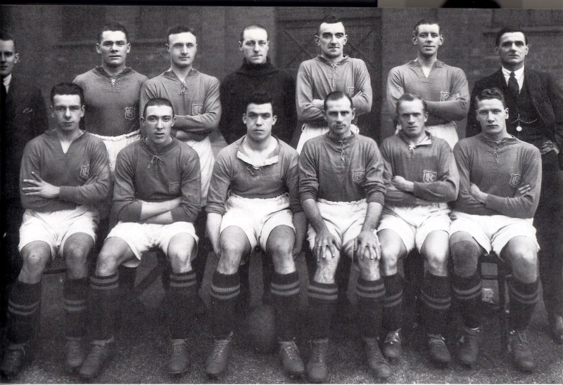 Everton squad in the mid-1920s. Hunter Hartback row, third from right