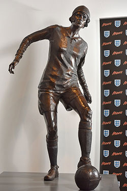 Lily Parr statue