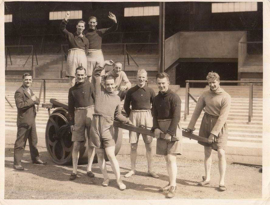 Everton players in pre-season (1930s)