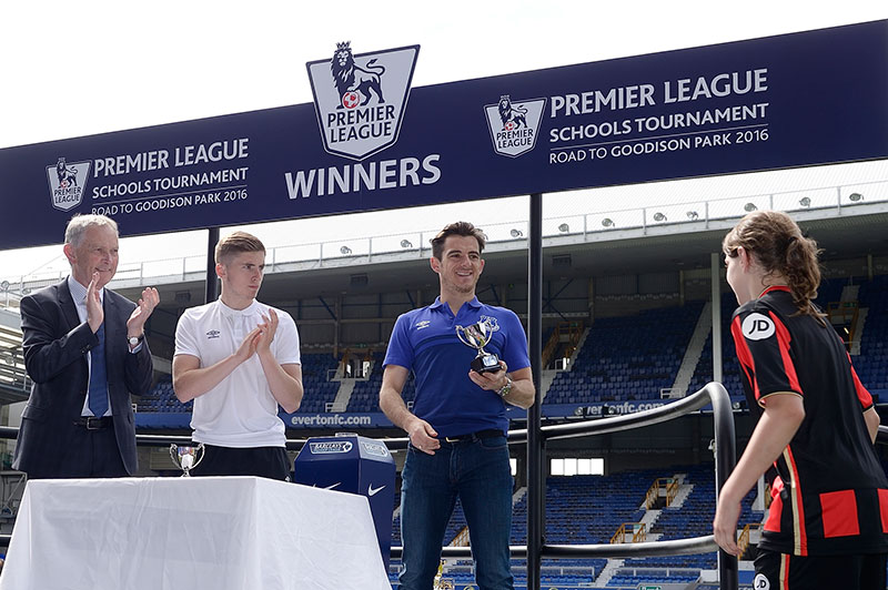 Baines and Kenny hand out awards alongside Premier League CEO Richard Scudamore