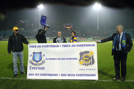 Pitchside presentation to mark Everton Chile's centenary